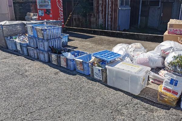石川県加賀市の資源ゴミステーションの風景